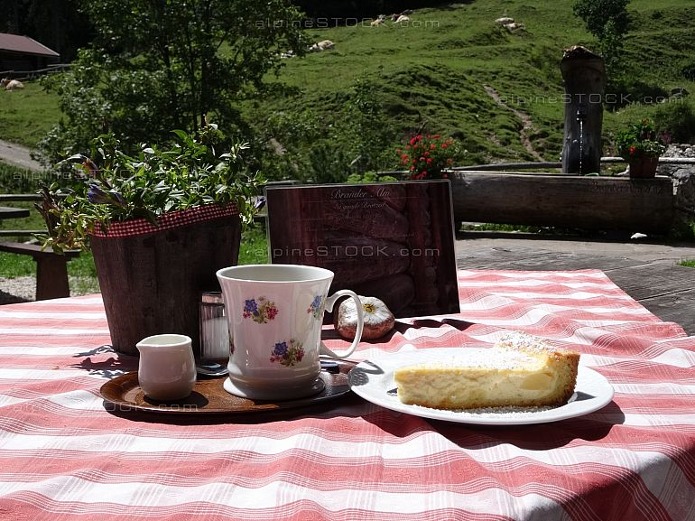 coffee and cheesecake at Brander Alm