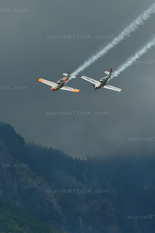 P-3 Flyers Ticino HB-RCQ HB-RBP Parallel Flying