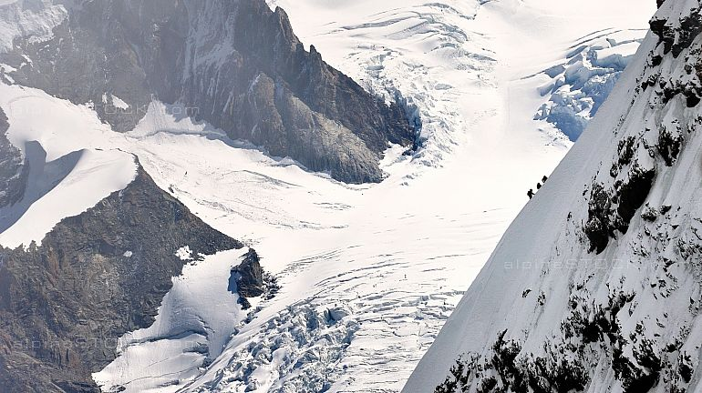 Alpinisten Seilschaft am Younggrat Breithorn