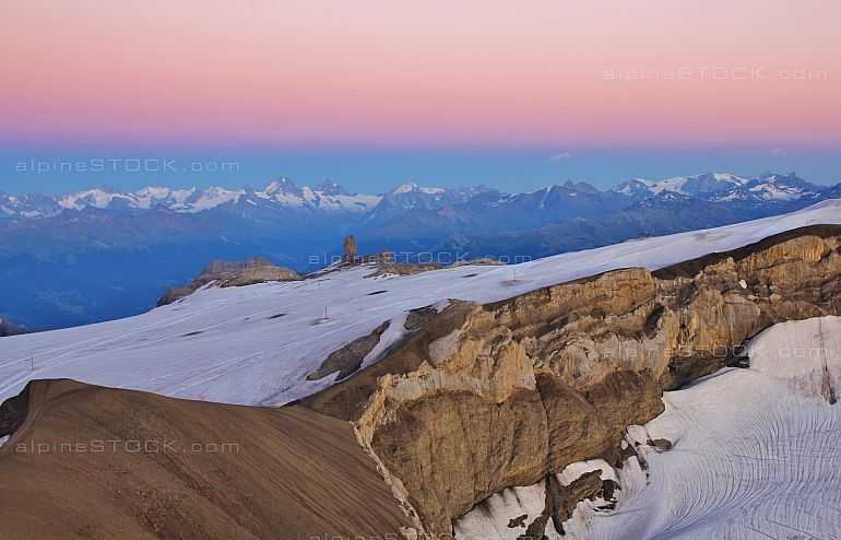 Pink evening sky over Glacier de Diablerets