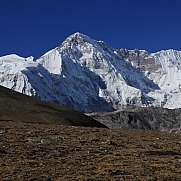 High mountain Cho Oyu, also named Qowowuyag