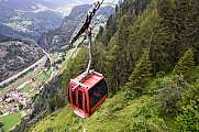The cableway to Lake Tremorgio on Canton Ticino