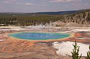 Blick in den Grand Prismatic Pool im  Yellowstone Nationalpark, Utah, USA