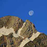 Moon going down over Mt Altmann